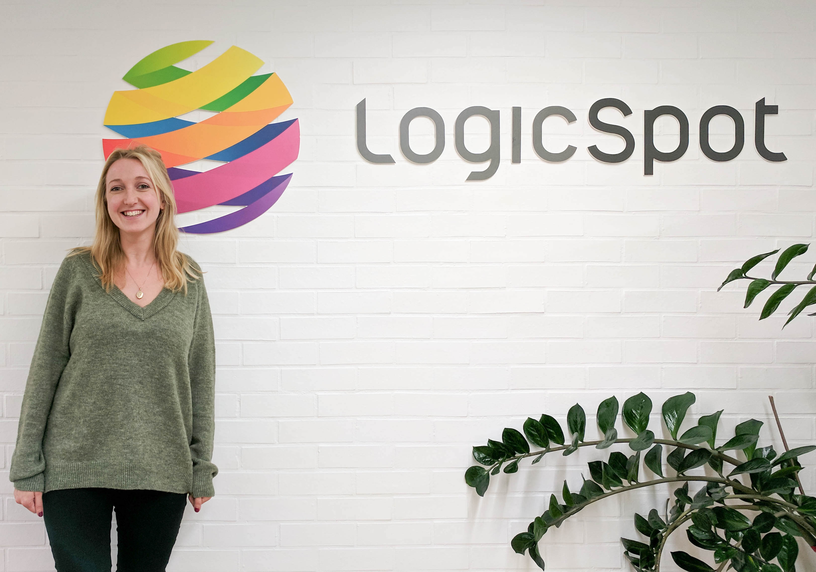 Alicia at LogicSpot